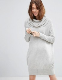 http://www.asos.fr/asos-petite/asos-petite-robe-pull-confort-avec-col-benitier-oversize/prd/6892196?iid=6892196&clr=Grismouchet&SearchQuery=robe%20pull&pgesize=36&pge=0&totalstyles=451&gridsize=3&gridrow=1&gridcolumn=2